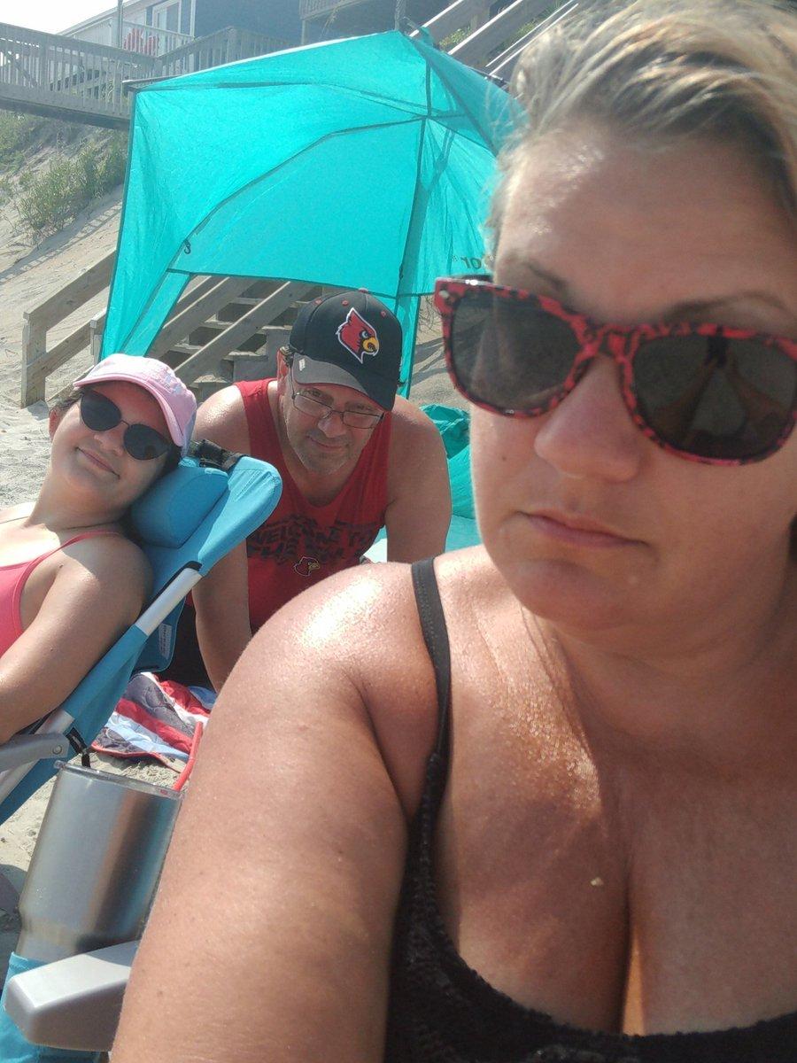 Family Vacation is a good thing fam @liljazzmomma @jottavi1 #sun #surf #timepasses #topsail