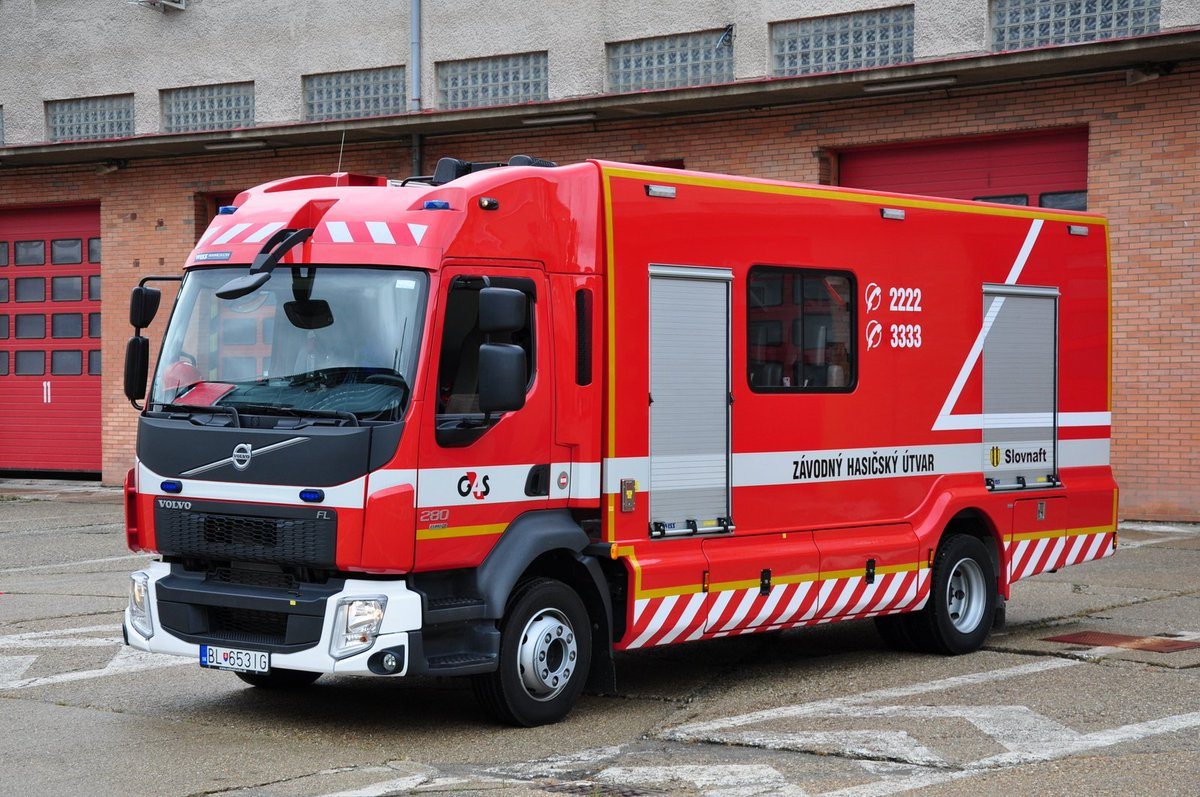 Volvo FL280 built by WISS and used as a Hazmat vehicle at the enormous Slovnaft Refinery, Bratislava, Slovakia. <br>http://pic.twitter.com/YWB9MQDJAl
