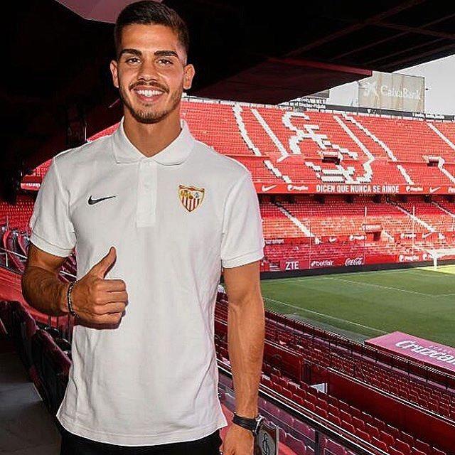 Listo para este nuevo reto. Gracias Sevilla por la confianza #LuchaPorLoQueAmas Foto