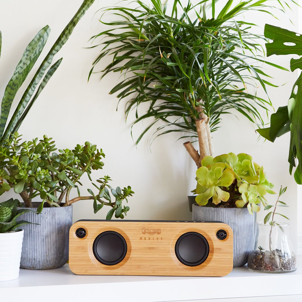 Want to win a pair of Positive Vibrations 2 Headphones or a Get Together Speaker? Lucky for you, we have paired up with @houseofmarley to give away these awesome products to 3 winners! Simply follow InMotion and House of Marley on all social media platforms! #giveaway #contest