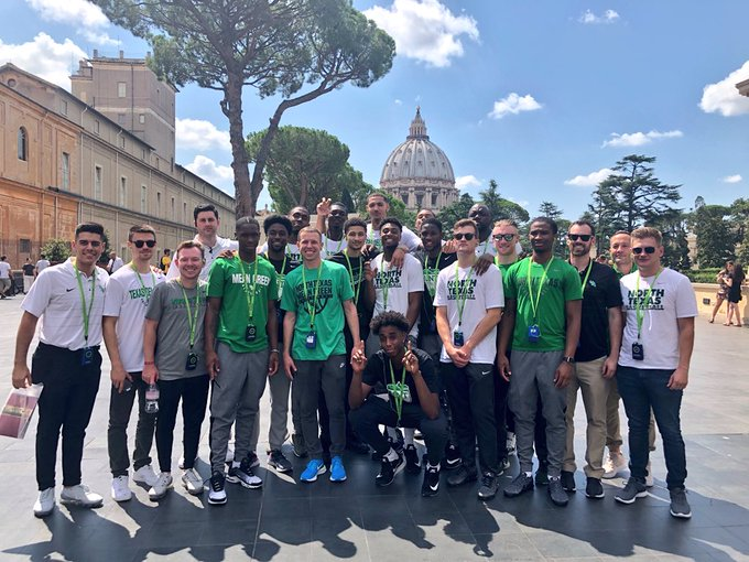 """Mean Green is Worldwide. Met a UNT student today in the Vatican City. Nothing like hearing a """"Go Mean Green"""" from across St Peter's Square. Also a tremendous opportunity for @MeanGreenMBB to see the Sistine Chapel and hang out in Rome for the evening. 🇮🇹 Photo"""