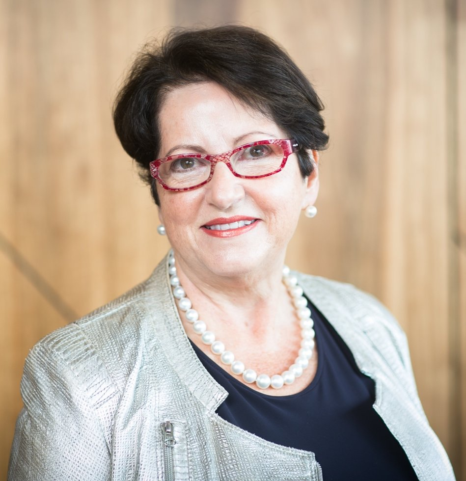 Congratulations to our Chair Dr Anna Lavelle on her appointment as Chair of  @MedicinesAus! Fabulous news!#womeninleadership #womeninstemm<br>http://pic.twitter.com/odaMTJUr5f