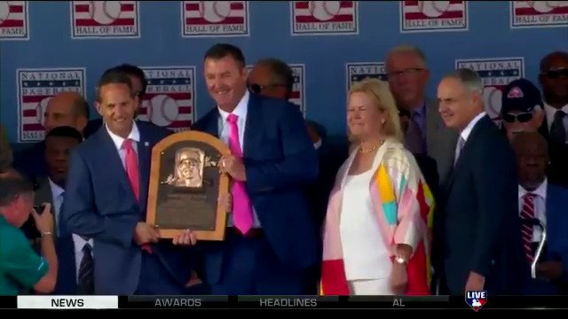 Welcome back to the #MLBTonight desk for the first time as a Hall of Famer, Jim Thome! https://t.co/tKauVqN92C