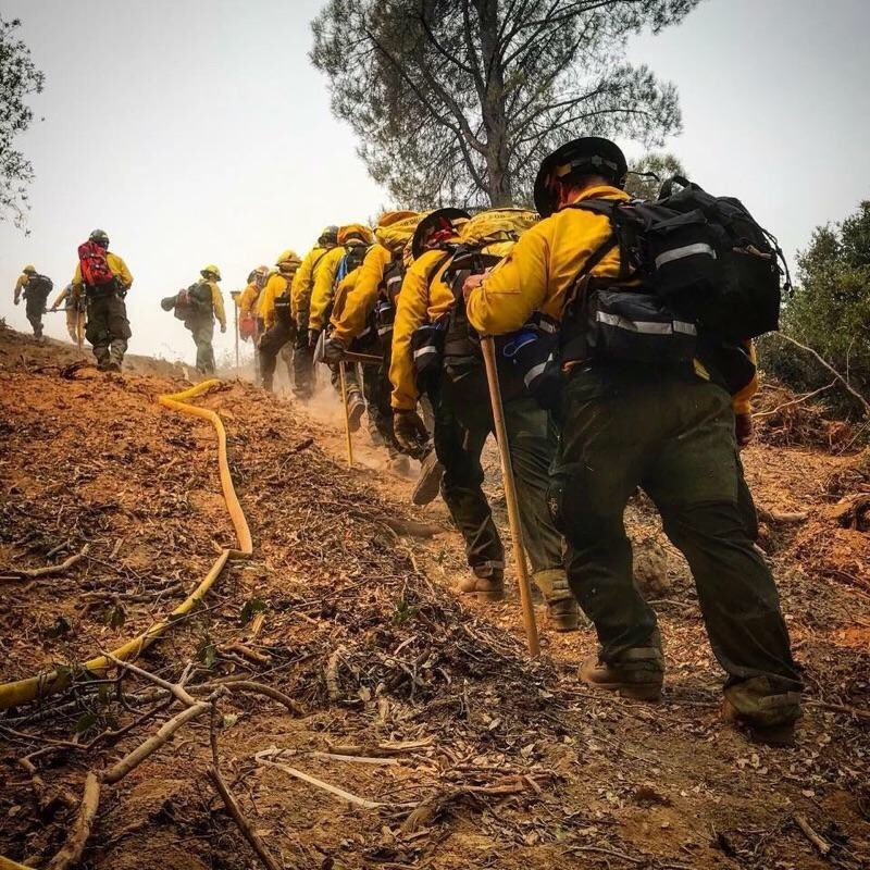 One of the best adventures in my life was a summer I spent fighting fires. These young folks are brand new, you can tell by their gear, but will be veterans after this. The fire season is a mid-point out west with a massive numbers of fires burning everywhere. Good work people! <br>http://pic.twitter.com/c3YPsJ7lDA