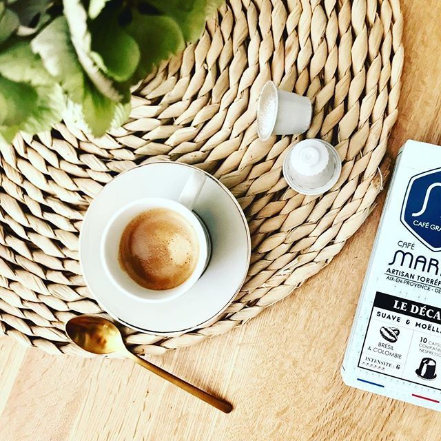 D.E.C.A  •••#cafe #deca #torrefacteur #aixenprovence #paca #aixmaville #igermarseille #instablue #instamoment #good #capsule #handmade #ilovecoffee #espressotime #gold #marius #cafemarius #café https://ift.tt/2w5pHFn  - Ukustom