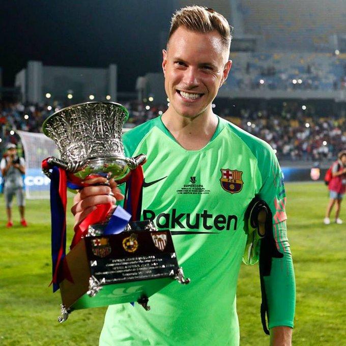 Ter Stegen tiene actualmente 12 títulos en sus palmarés con el FC Barcelona y fue fichado por tan sólo 12M €: por cada título, un millón. Los demás que vienen, salen por su cuenta 😉. Foto