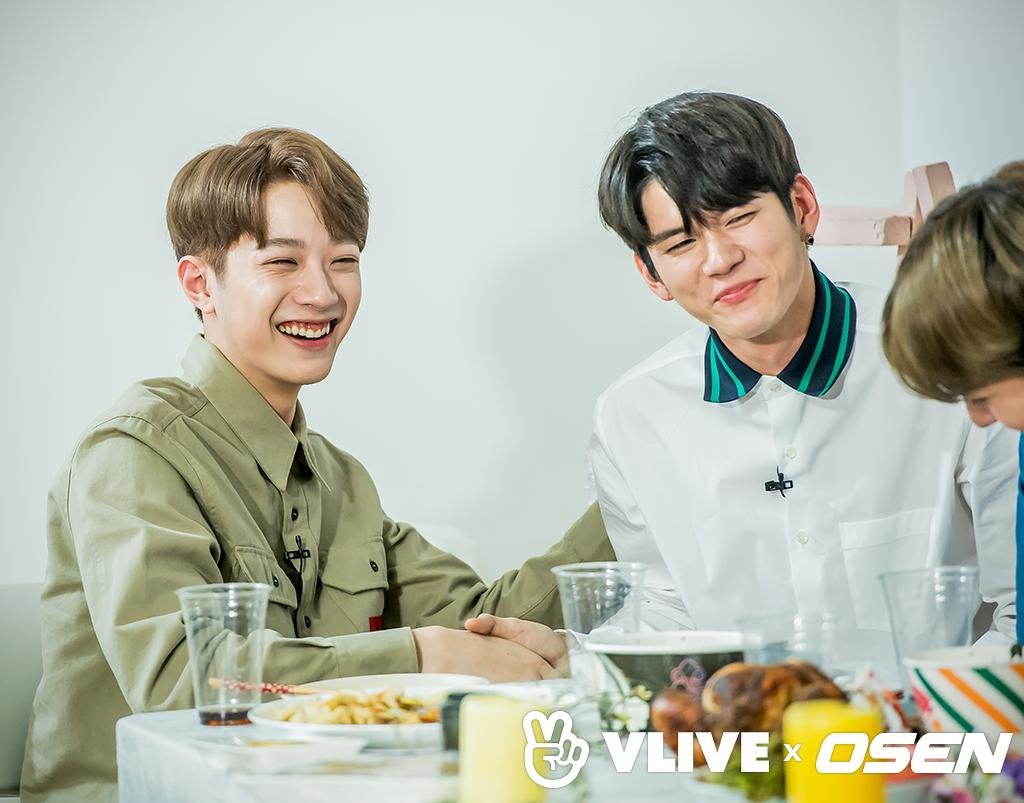 Q: The moment when you think Wanna One is one? Ong SeongWu: When 11 members together, our teamwork is really good. As you can see during StarRoad when 11 ppl is together we&#39;re really noisy even though we didn&#39;t make a noise/talk it always like that. We 11 people really match well <br>http://pic.twitter.com/lbn3euXzrH