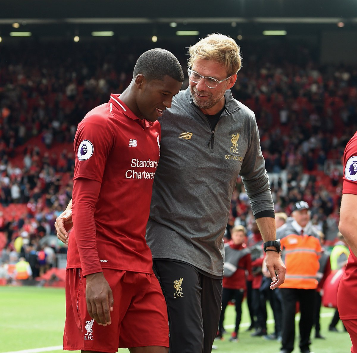 Klopp explains how midfield hard work made 4-0 win. 🤜🤛 bit.ly/2MISoiG