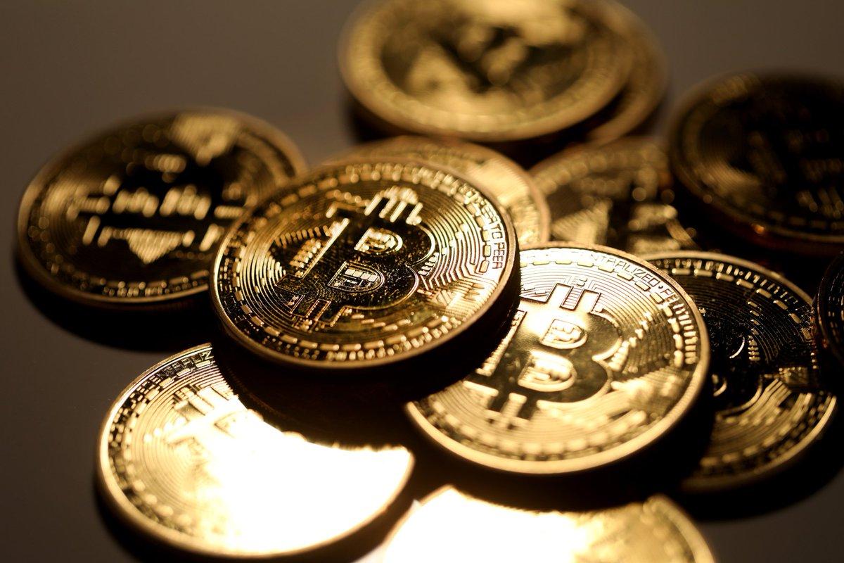 ビットコイン6000ドル割れ、8月下落率は23%-仮想通貨ほぼ全滅 https://t.co/mDDarJoDvm
