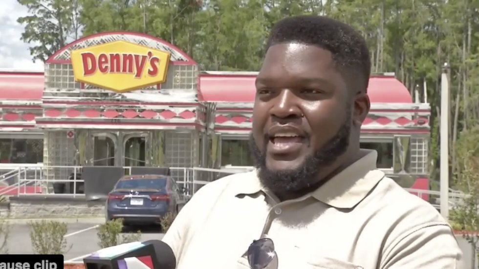 Denny's apologizes after group of black customers refused service https://t.co/WtafZ2JOgw