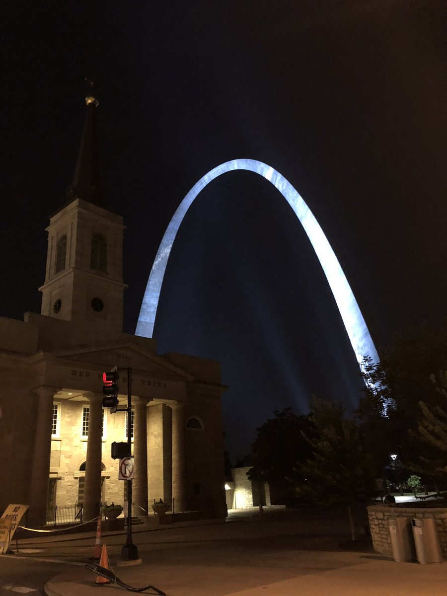 Hey! @GatewayArchSTL your new lights are looking mighty bright! #N4TM <br>http://pic.twitter.com/OOfdDftsjy