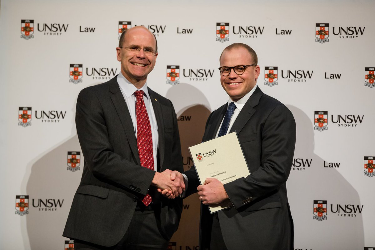 Very proud to have been awarded @UNSWLaw 2017 JD Valedictorian last night for outstanding academic achievement and contribution to the communal life of the law school. Huge thanks to the faculty, my wonderful teachers and mentors and the great friends I&#39;ve made along the way! <br>http://pic.twitter.com/d3WJQWWDoo