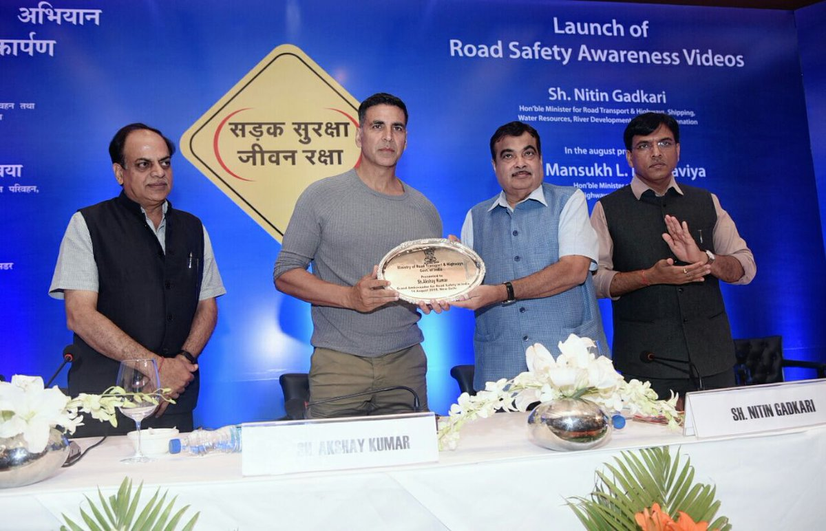 Follow traffic rules for your own & others safety: Akshay Kumar