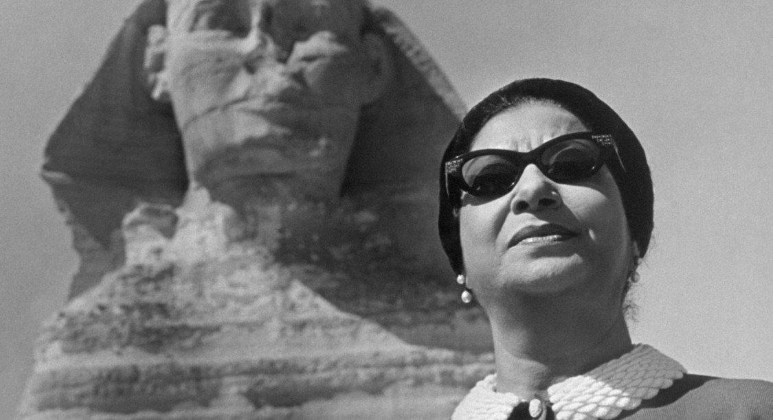 'La Voix des Arabes' : le docu qui revient sur la chanteuse et icône populaire Oum Kalsoum https://t.co/3IqvKYu1de
