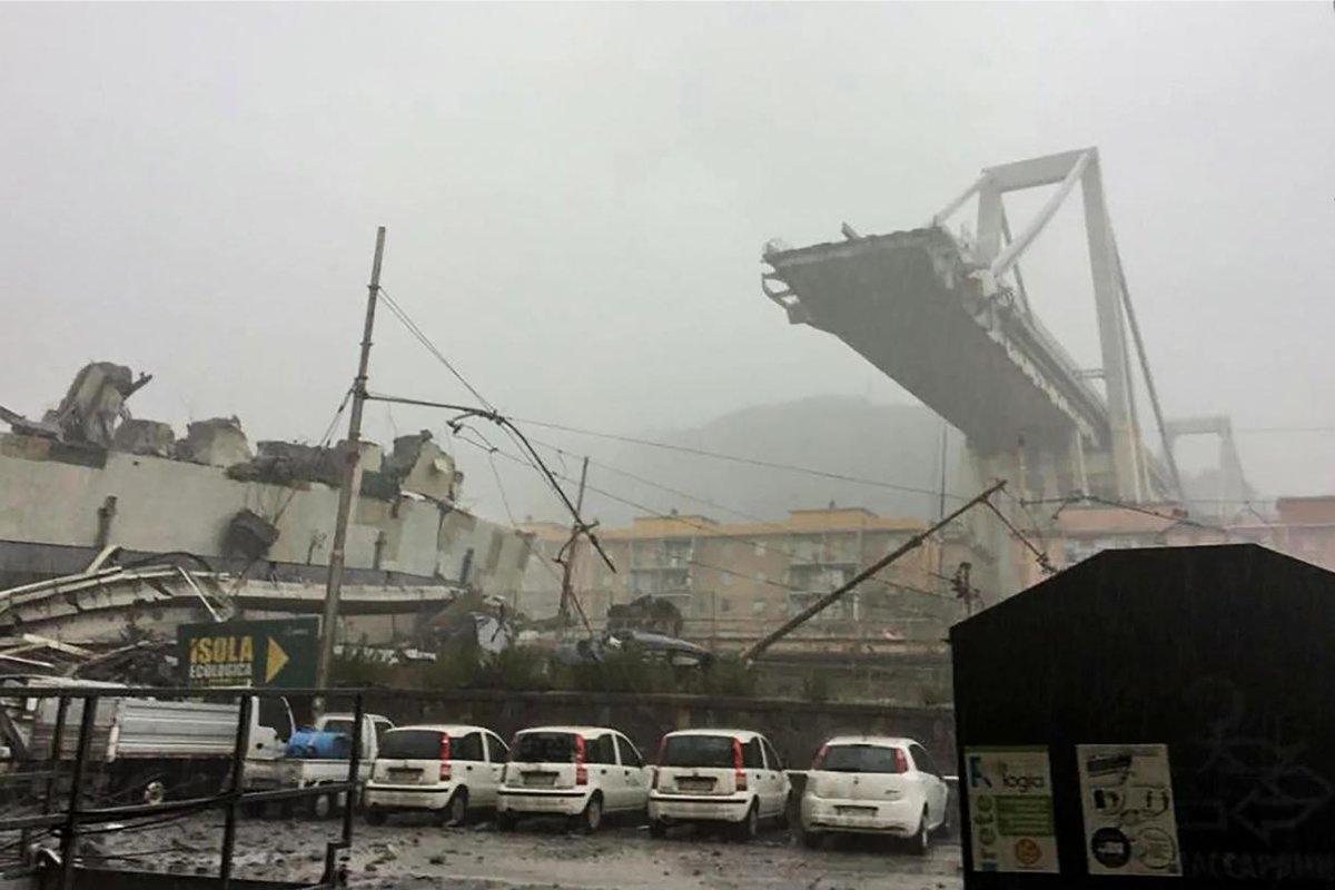 Selon des témoins le viaduc aurait été foudroyé : « C'était juste après 11h30 quand nous avons vu la foudre frapper le pont. Et nous l'avons vu s'effondrer » >>   https://t.co/Cq1TwJhwy5 #genes