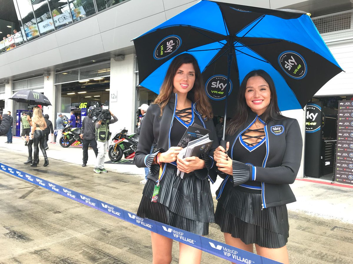 Da Brno all'Austria Le nostre ombrelline non potevano mancare Ecco Alba e Mireia sulla pit lane di Spielberg E voi, le avete viste? #SkyVR46Aut  - Ukustom
