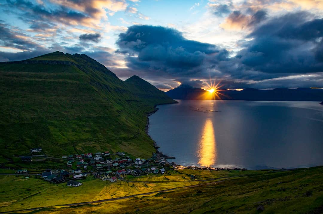 Funningur is a village on the #FaroeIslands. It is located on the northwest coast of Eysturoy. Tradition says that the first viking who settled on the Faroe Islands settled in Funningur. His name was Grímur Kamban #sunrise #fjallraven #travel #natgeotravel #picoftheday #sonyalpha<br>http://pic.twitter.com/HRR4adjtpp