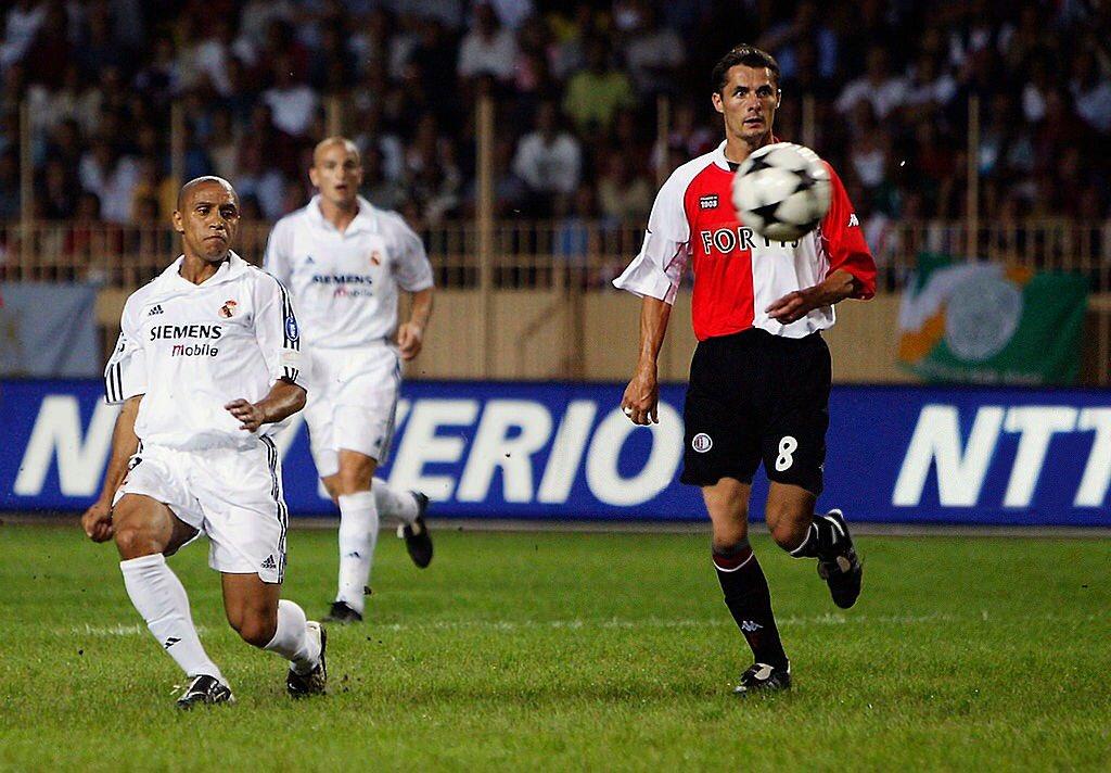 @bestofyousports Supercopa de Europa 2002. #RealMadrid 3 🆚 1 #Feyenoord