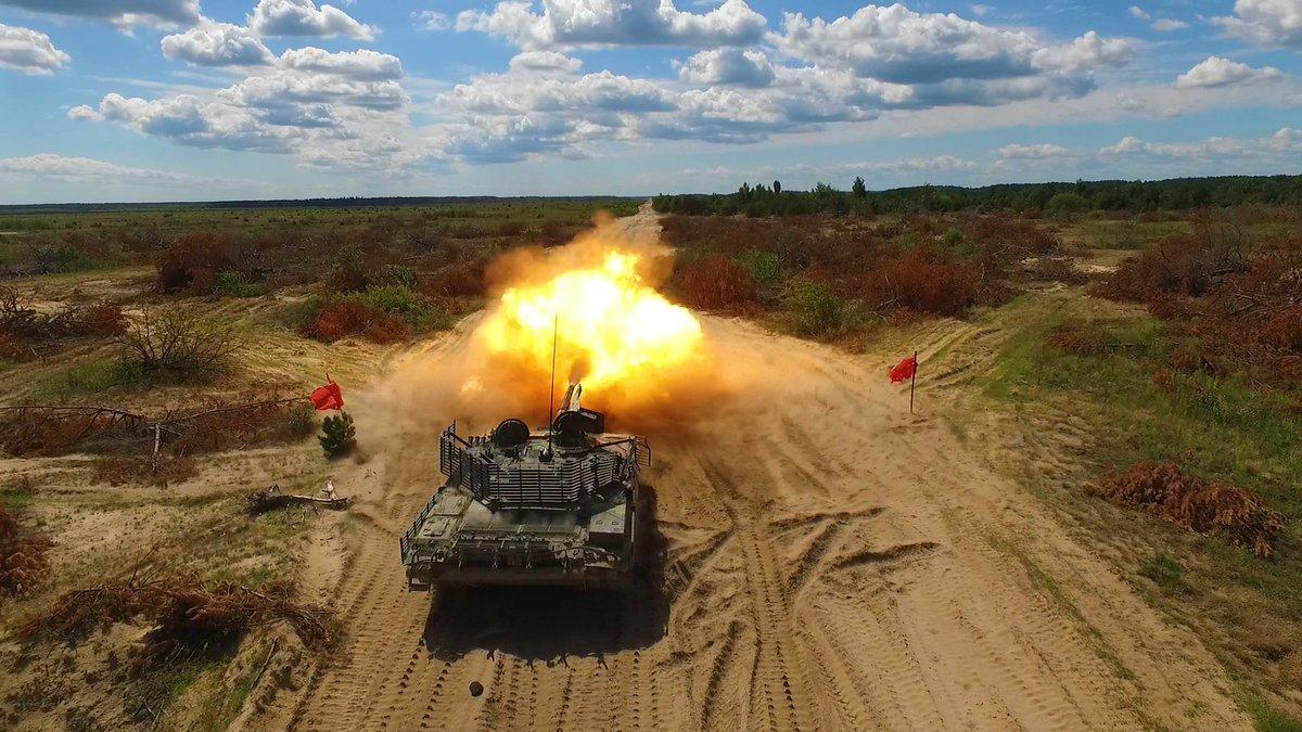 من اجل اعادتها للخدمه : بولندا توقف تصدير دبابات T-72 الى الاردن وبلد شمال افريقي  DkjG6IJWsAA6DKM