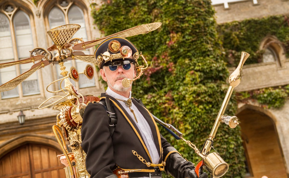 The world's largest and longest running #Steampunk festival returns to Lincoln over the August #BankHoliday Weekend: @AsylumSteampunk!  The Cathedral Quarter will be transformed for four days of events and activities - buy your wristbands now! https://t.co/nxFTRNKfn8