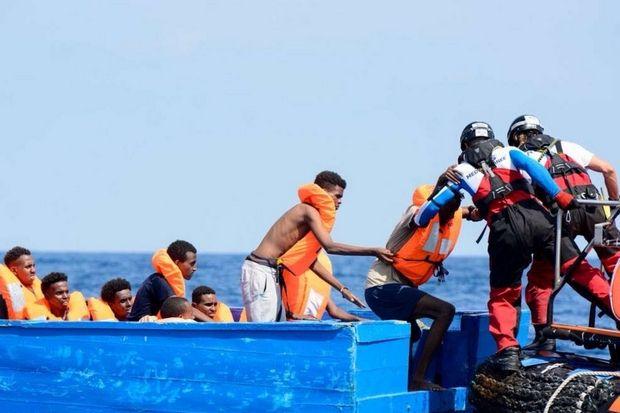 Soccorsi in mare #migranti. Un anno dopo cadute le accuse di legami tra #Ong e scafisti. La ricotruzione della vicenda giudiziaria di @nelloscavo https://buff.ly/2MMpjmi  - Ukustom