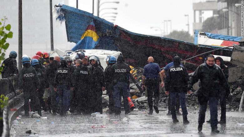 ÚLTIMA HORA  Al menos 11 muertos tras colapso de puente en Italia https://t.co/ogDaYEXyov https://t.co/XonszW7PC6