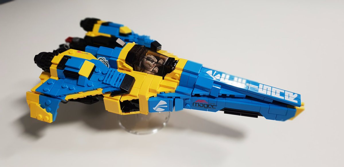 Today I received this amazing gift from @SteppedOnABrick it&#39;s truly incredible work. Cheers man!! @SonyXDevEurope @PlayStationEU #LEGO #WipEout<br>http://pic.twitter.com/C7iBrGWHZN