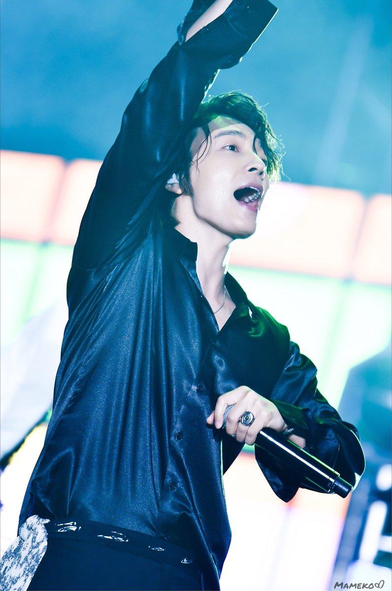 180811 K FLOW Concert #Donghae #동해 #ドンヘ #SUPERJUNIOR #슈퍼주니어<br>http://pic.twitter.com/Syr64wTPUi