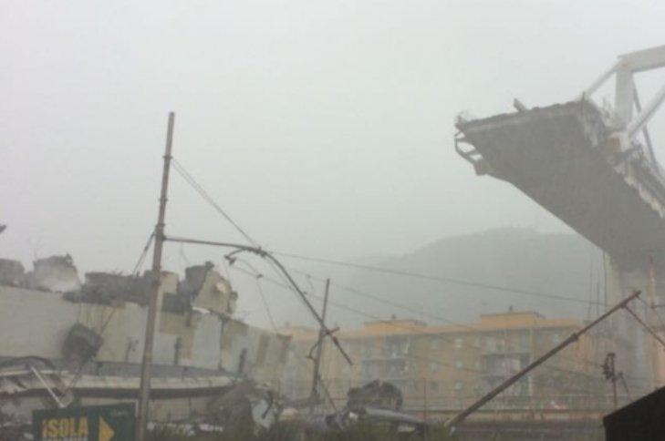#Genova #PonteMorandi  Il direttore del 118: 'Ci sono decine di morti' #14agosto [FOTO E VIDEO] https://t.co/q63tzkUHG3