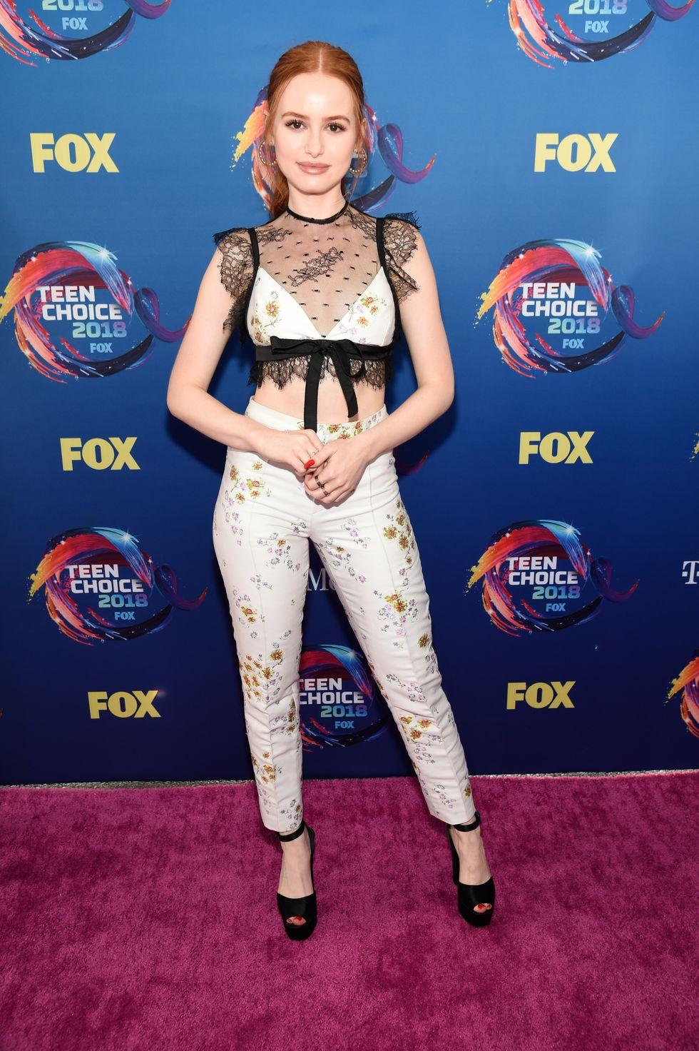 Który outfit z #TeenChoice?   #RT Madelaine Petsch #FAV Meghan Trainor https://t.co/LV52qRrwgw