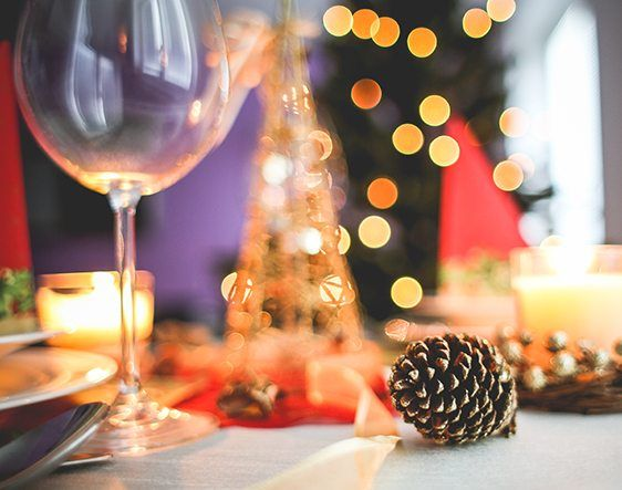 67% of workers believe work parties are a good way for employers to reward their staff  https:// buff.ly/2nw5HrB  &nbsp;   #87RT #PeopleFirst #SMEUK #UKbizlunch #EmployeeEngagement<br>http://pic.twitter.com/KLKVnaWPzT