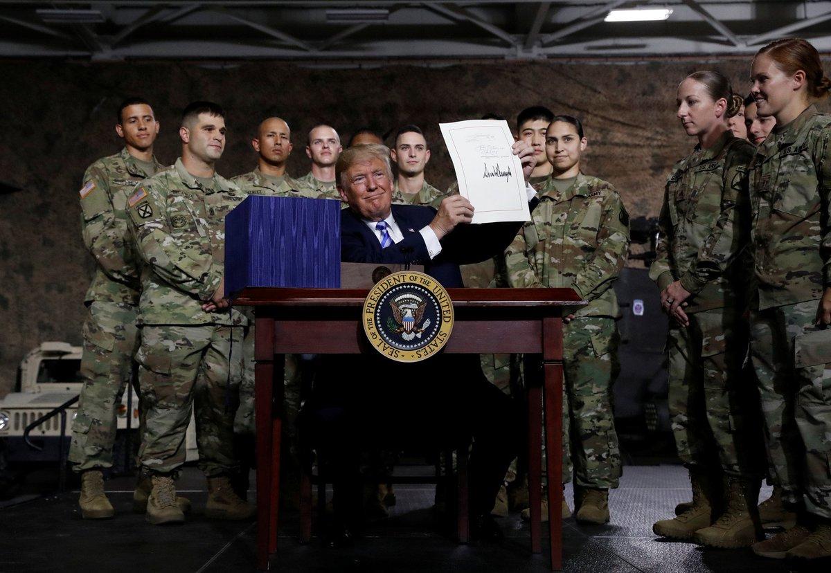 Trump sigue apostando por la guerra