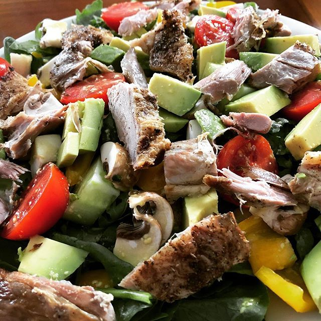 Who's up for some duck and avocado salad? . . #leftovers #duck #salad #avocado #bestdietever #type1 #type1keto #type1diabetes #type1diabetic #type1lookslikeme #t1d #keto #ketouk #ketosis #ketones #ketodiet #ketogenic #ketogenicdiet #ketogeniclifestyle #b…  https:// ift.tt/2Ow3CHE  &nbsp;  <br>http://pic.twitter.com/U5QifVJd3A