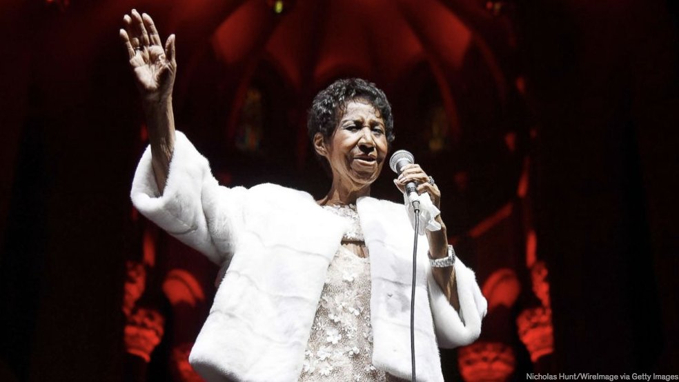 I fall asleep tonight with a heavy heart & a prayer for my soul sister. Beyonce, Mariah Carey, Bill Clinton and more send well-wishes to Aretha Franklin: gma.abc/2BcB6Ju