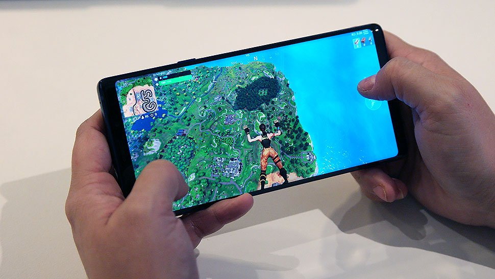 Here's how to actually get Fortnite on your Android phone https://t.co/nAJAayUwiO