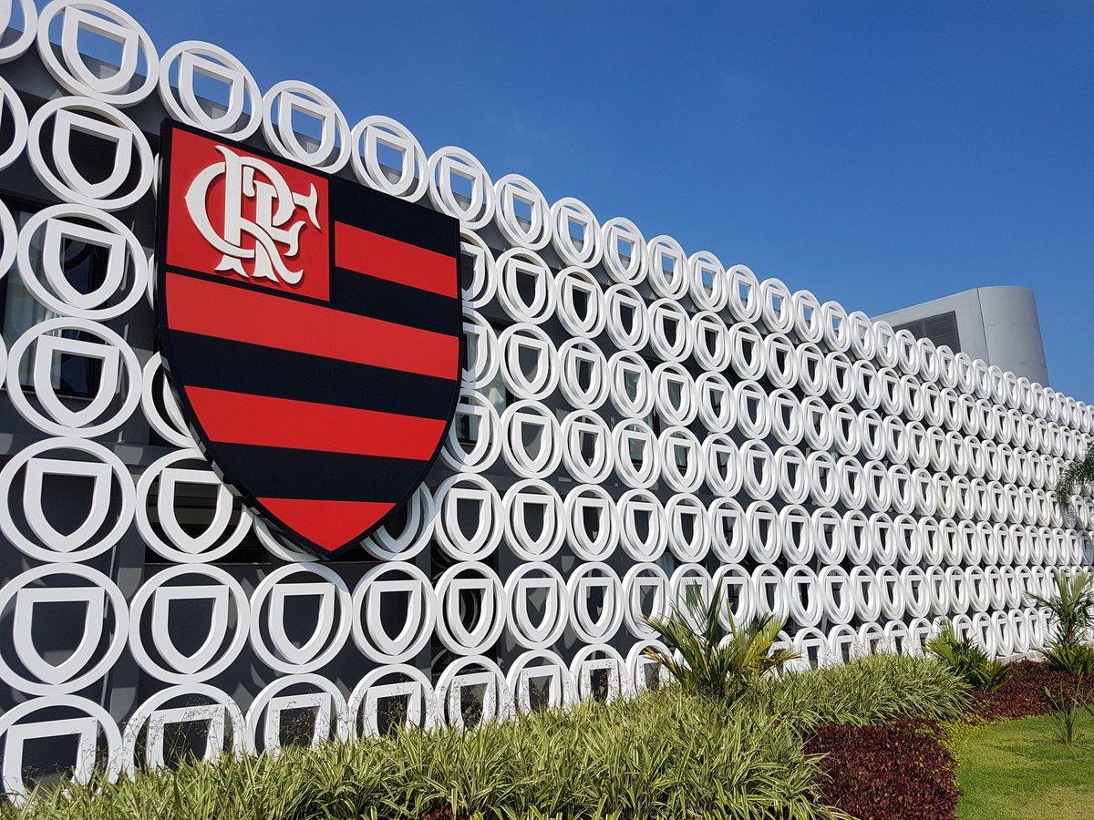 Boa tarde, Nação! Tudo pronto no Ninho do Urubu para mais um treino visando a partida decisiva da Copa do Brasil. Vamos, Flamengo!  ⚫🔴 #CRF