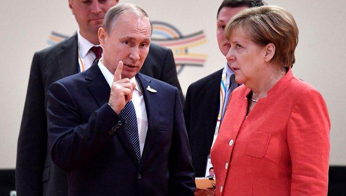 Merkel y Putin se reunirán en Alemania con el malestar con Estados Unidos como telón de fondo Fotoğraf