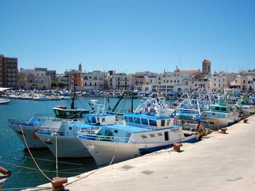 #Bari Comincia  il fermo biologico Stop  pescherecci da Trieste  a Bari fino al 23 sett... http://csera.it/866da5f2LM  - Ukustom