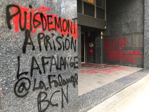Belgium&#39;s consulate attacked last night by Spanish fascists. The paintings say &quot;Puigdemont to prison&quot; and &quot;Belgium refuge of criminals&quot; signed by Falange, the Spanish NS party. Until when you won&#39;t do anything? @JunckerEU @eucopresident  @EP_President @TimmermansEU<br>http://pic.twitter.com/OBtPLMPIBp