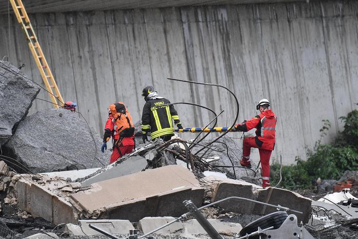 Обвал мосту в Італії: офіційно підтверджено загибель 22 осіб