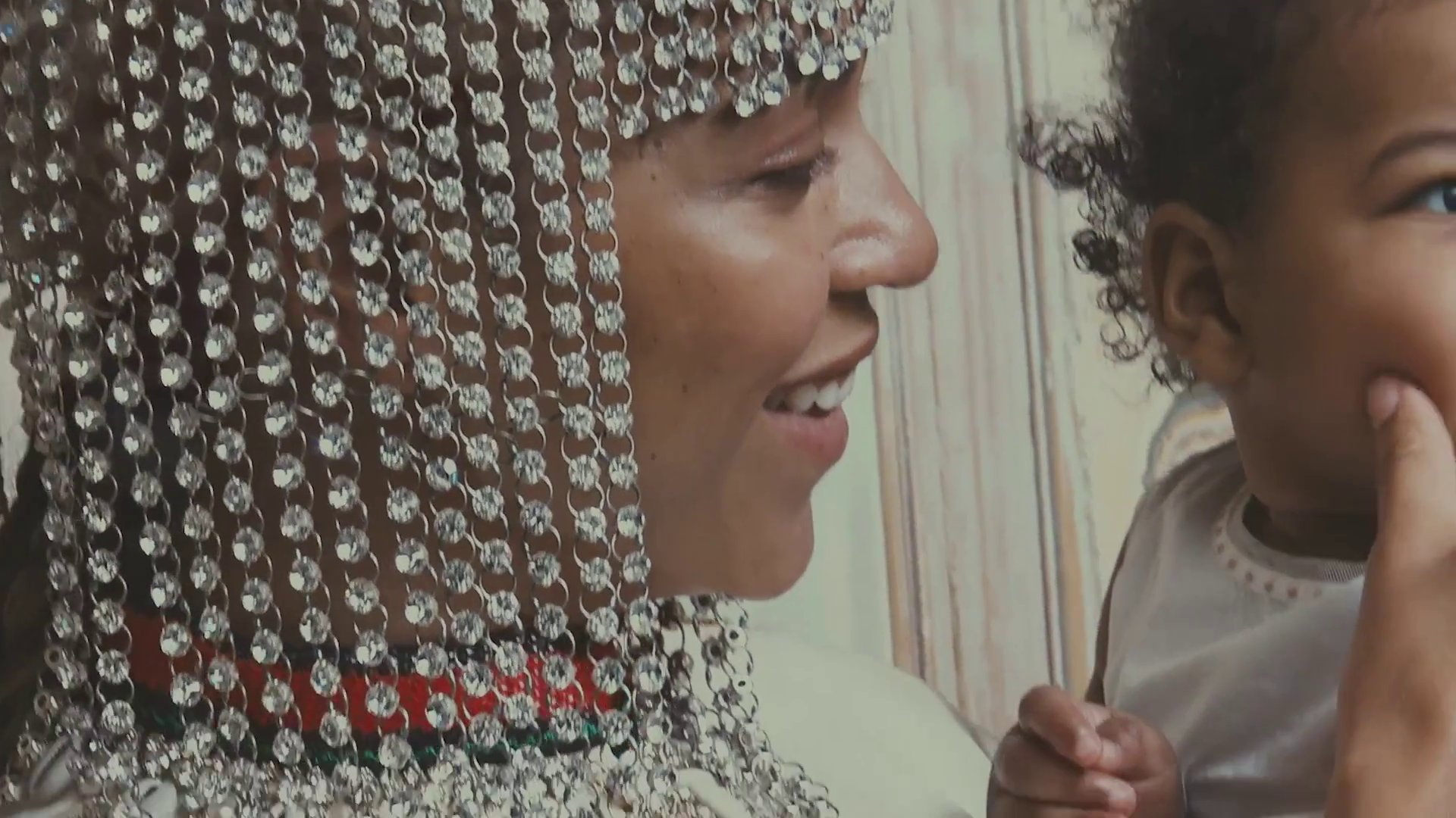 Behind The Scenes: Beyoncé for VOGUE September Issue 2018. ��  https://t.co/axPX6gyP4e https://t.co/uov1szADrq