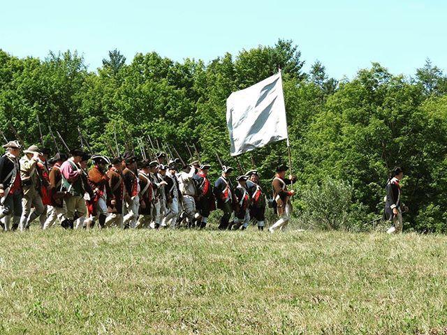 The army will advance! #rebelsandredcoats #patriots #revolutionarywar #reenactment https://t.co/jWbXd5FMRU