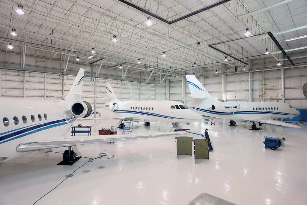 The #aviation professionals at Bloom Business Jets take the hassle out of private #aircraft ownership -  https:// buff.ly/2w7Xr4W  &nbsp;    #Bloomjet #business #jet #businessJet #bizJet #avGeek #pilot #bizav #planeSpotting #flying #airplane #privateJet #NBAA2018 #NBAA #wealth #charter #fly<br>http://pic.twitter.com/qxIbtRD8X3