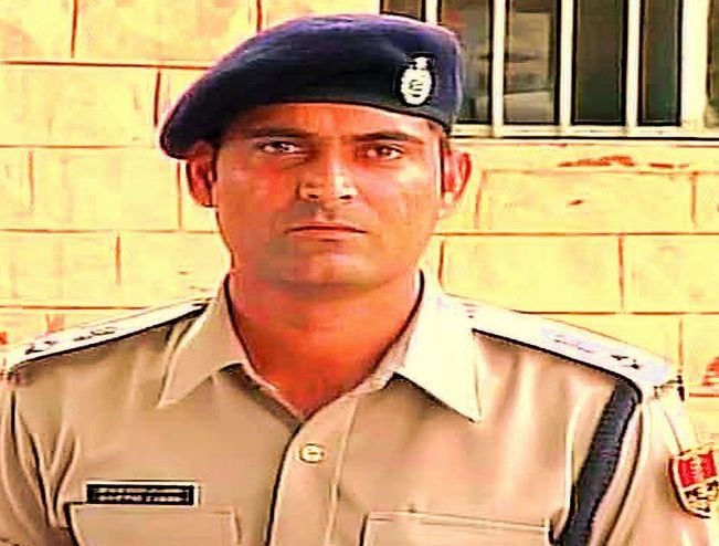 Rajasthan IPS officer Ajay Pal Lamba to get a pistol and citation by Chief Minister @VasundharaBJP at state-level Independence Day celebrations in Jaipur. Lamba to be awarded for making a watertight case against Asaram Bapu, leading to his conviction @htTweets<br>http://pic.twitter.com/rOqJUEgCHr