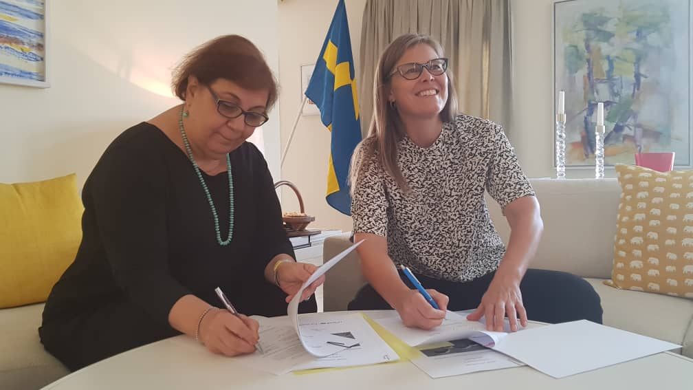 2day, @SwedeninAF, @MetteSunnergren & @UNICEFAfg Rep., @AdeleKhodr, signed an agreement in support of monitoring & reporting of grave violations against children for improved response & prevention. RT if you agree that ALL of us have a role 2 play 2 #EndViolence against #children