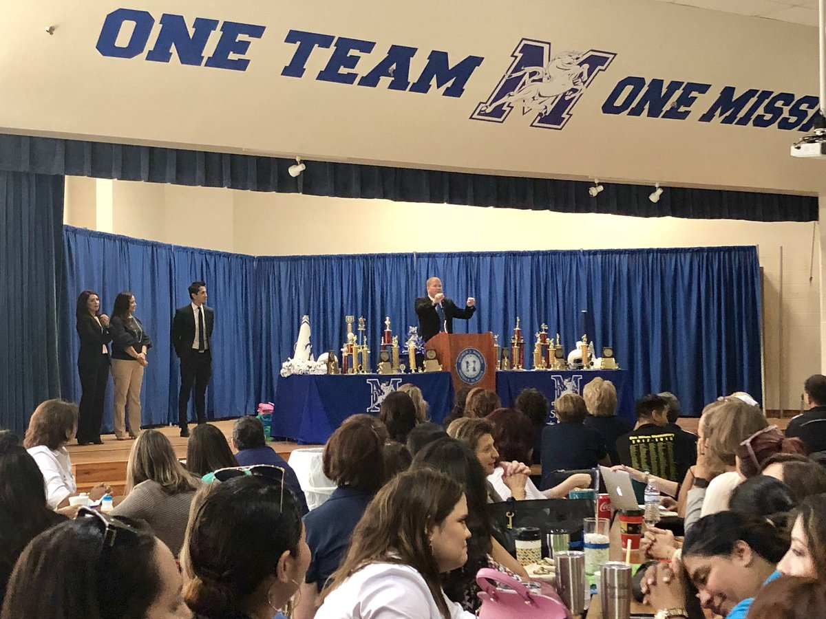 Morris &amp; Feeder Schools getting together to collaborate, share and lead learning. Building teacher leaders and building teacher capacity to kick off a great 2018-19 school year! #oneteamonemission #strongertogether #districtofchampions @McAllenISD @stallions045<br>http://pic.twitter.com/4DKRhCADp3
