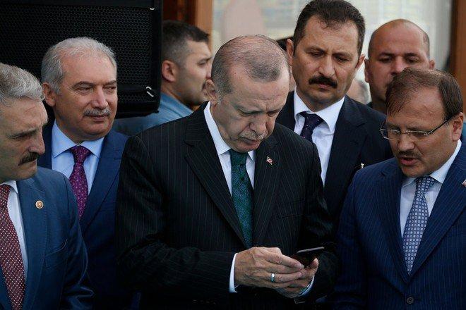 Presidente turco #Erdogan boicotta gli #iPhone: comprate i #Samsung http://dlvr.it/Qfs23q  - Ukustom