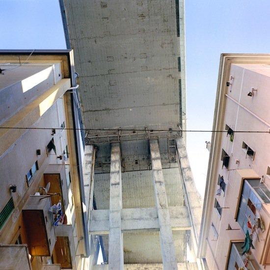 """Il #boom economico ed edilizio italiano è stato uno sfacelo, #cementi scadenti e #progetti superficiali. #Keynesismo da 3 soldi. Oggi alcuni di quei #fallimenti li chiamiamo """"#periferie"""". © http:// www.robertosabaphotography.com/  - Ukustom"""