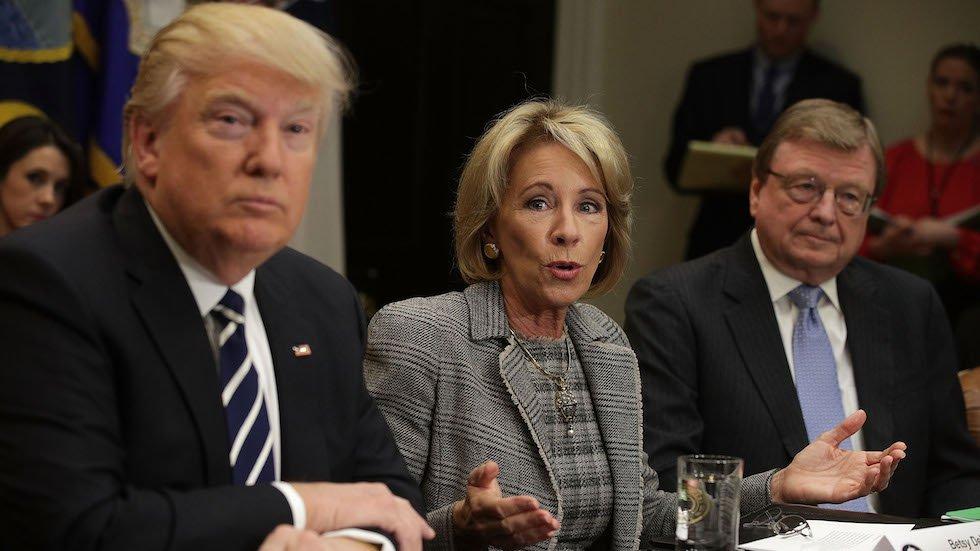 Omarosa: Trump calls Education chief 'Ditzy' DeVos https://t.co/9KoIp3YeeQ