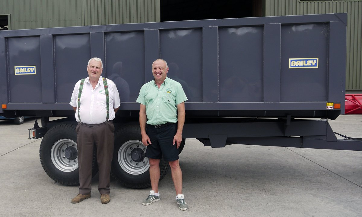 Our founder Tom Bailey with Michael, standing in front of the very first Bailey Trailer, built by Tom in 1982... #FarmTrailers #Farming #FarmLife #ClubHectare  http://www. baileytrailers.co.uk  &nbsp;  <br>http://pic.twitter.com/ygAofEl0gp